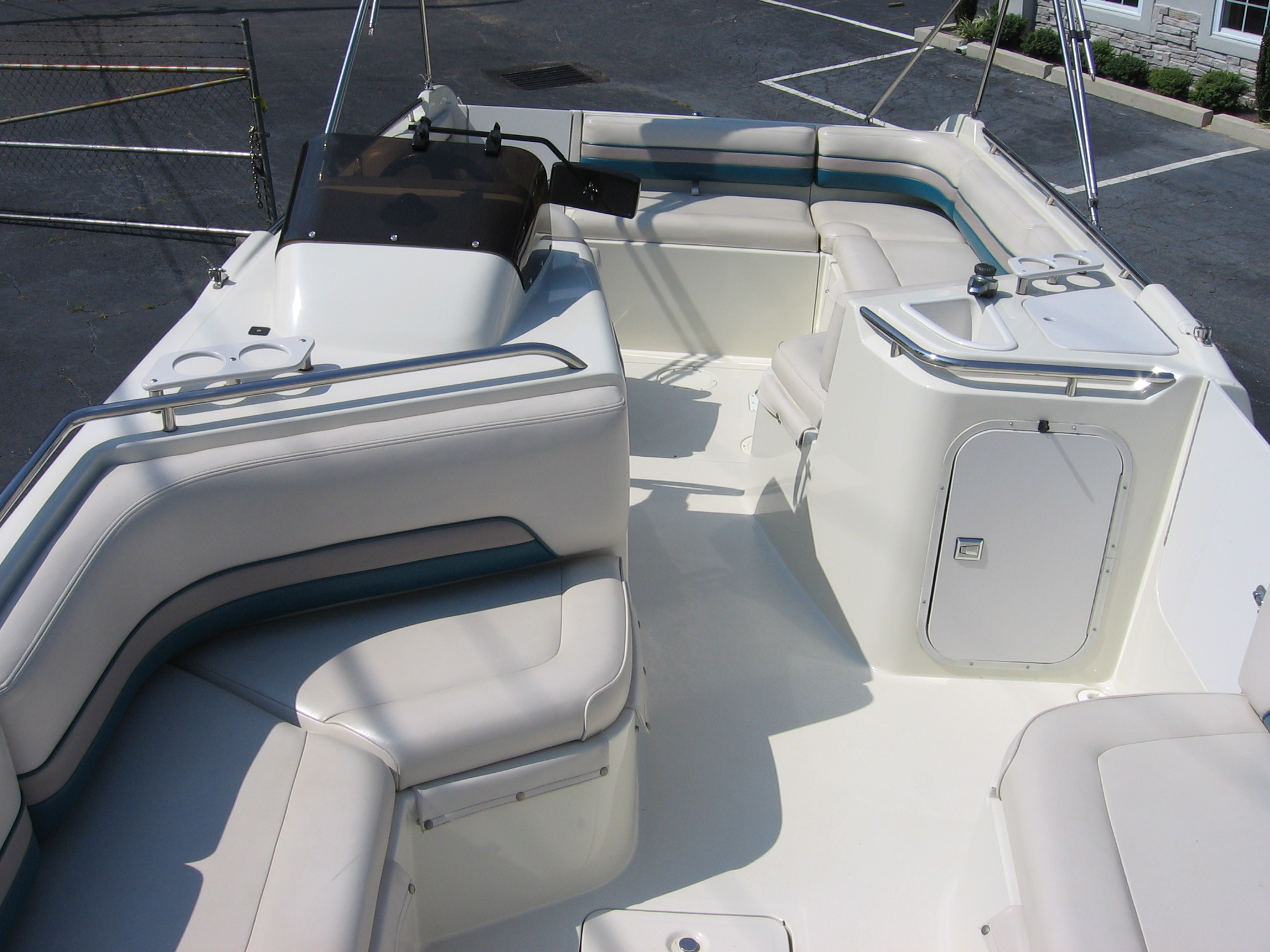 1995 Chaparral Sunesta 220 22 Deck Boat Used Good