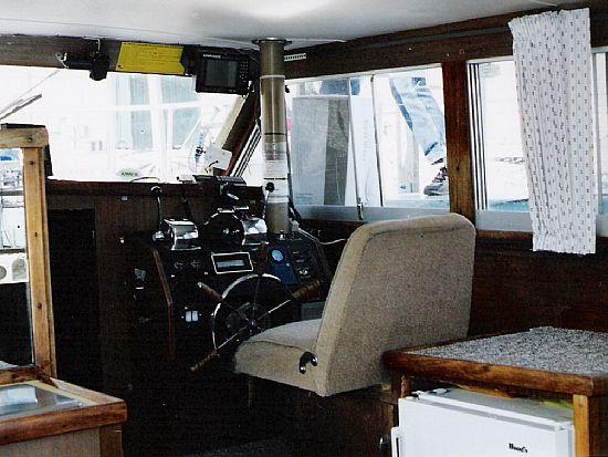 1975 Chris Craft Coho 33 Sport Fisherman Used -Excellent - AvidBoater.com