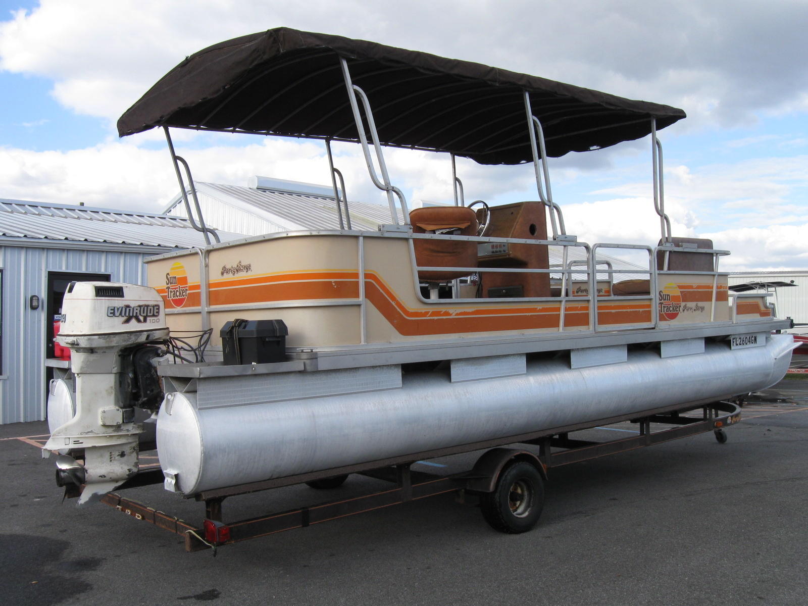 Sun Tracker Party Barge