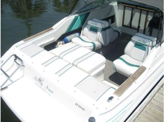 1993 Sea Ray 200 Overnighter 20 Cuddy Cabin Used -Excellent